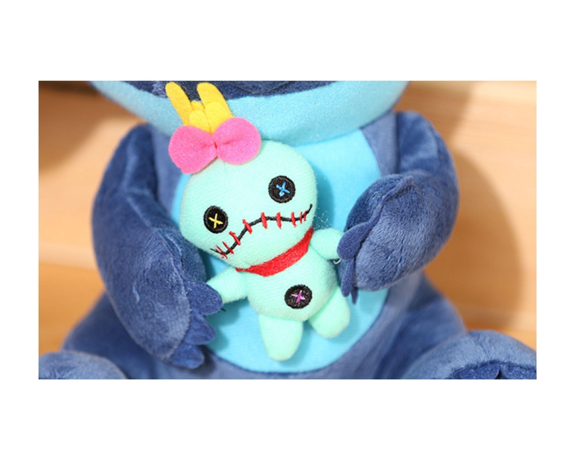 Stitch Com Xepa Scrump Bicho de Pelucia Lilo Disney  - Game Land Brinquedos