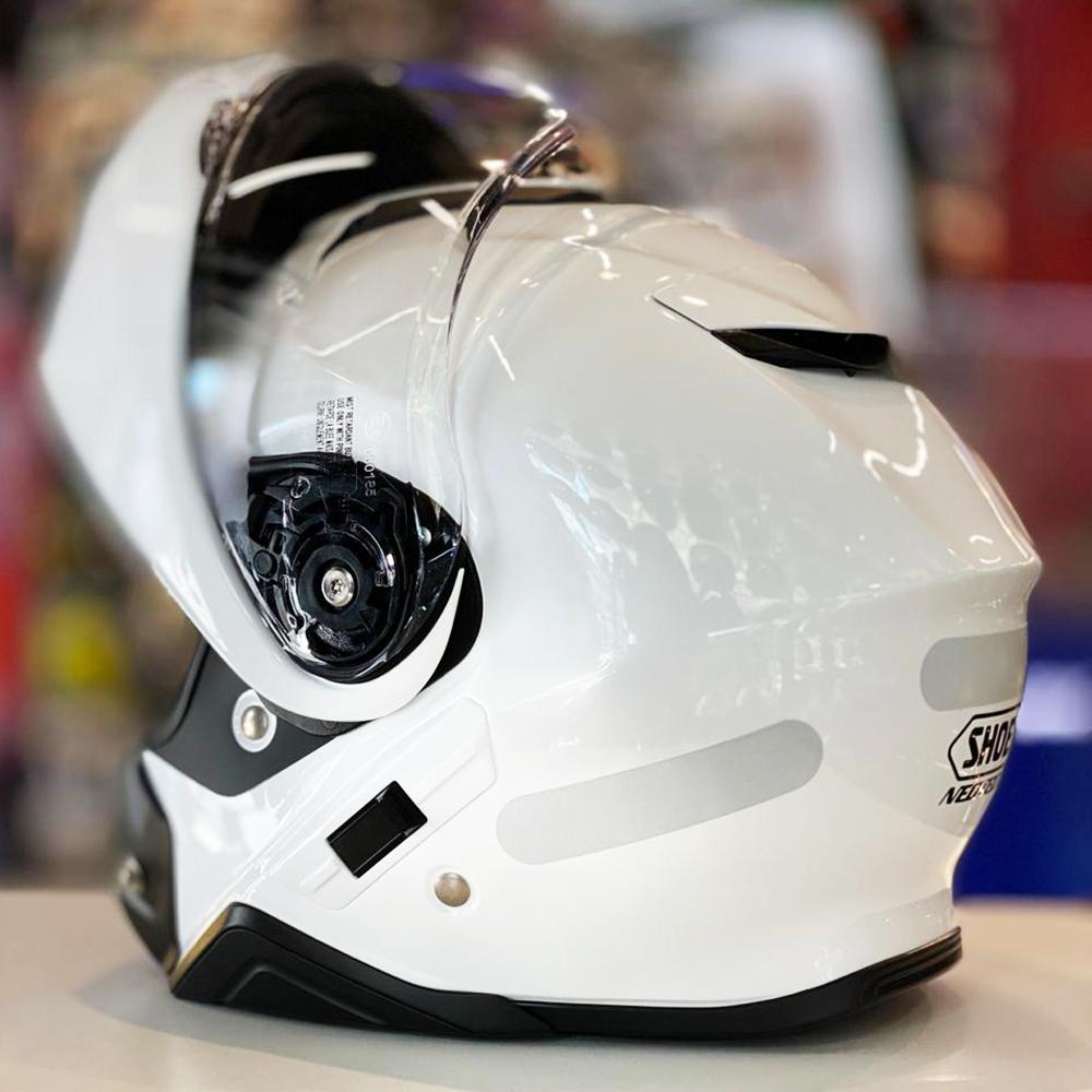 Capacete Shoei Neotec 2 Branco Brilho Escamoteável  - Nova Centro Boutique Roupas para Motociclistas