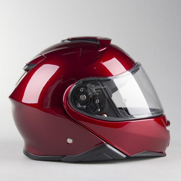 Capacete Shoei Neotec 2 Vinho - Escamoteável  - Nova Centro Boutique Roupas para Motociclistas