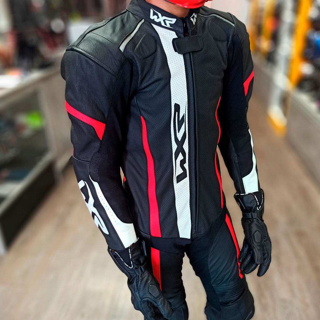 Macacão WXR Rapid 1 peça - Preto/Branco/Vermelho  - Nova Centro Boutique Roupas para Motociclistas