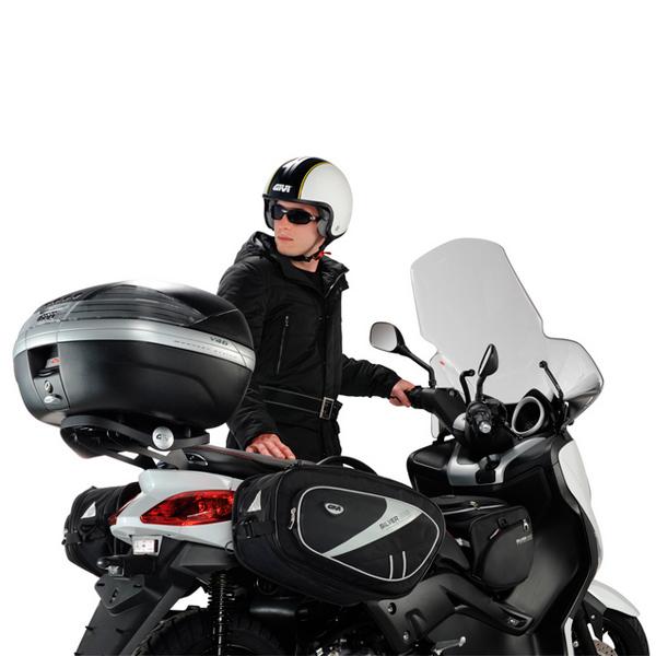 Baú Givi V46N Tech Lente Fumê - traseiro  - Nova Suzuki Motos e Acessórios