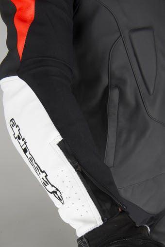 0 Macacão Alpinestars Challenger V2 Preto/Branco/Vermelho - 2 Peças  - Super Bike - Loja Oficial Alpinestars