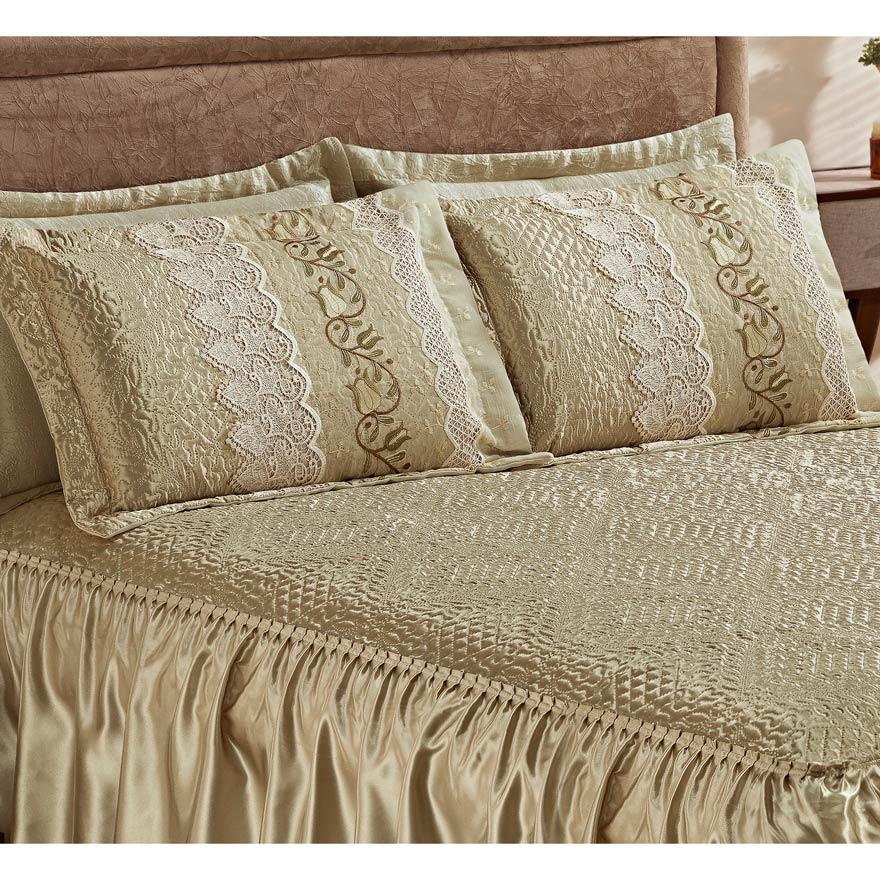 Colcha Casal Queen Roma 03 Peças Tecido Cetim com Porta Travesseiro com Detalhe em Guipir - Prata Velho