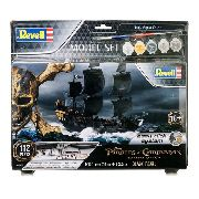 Revell - Pirates Of The Caribean 1:150 Lv.2 Model Set 65499