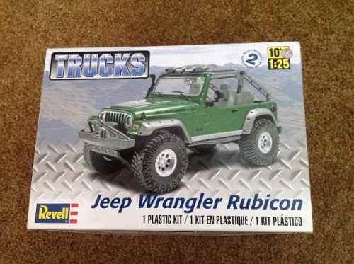 Revell - Jeep Wrangler Rubicon - Escala 1/25 - Level 2  - King Models