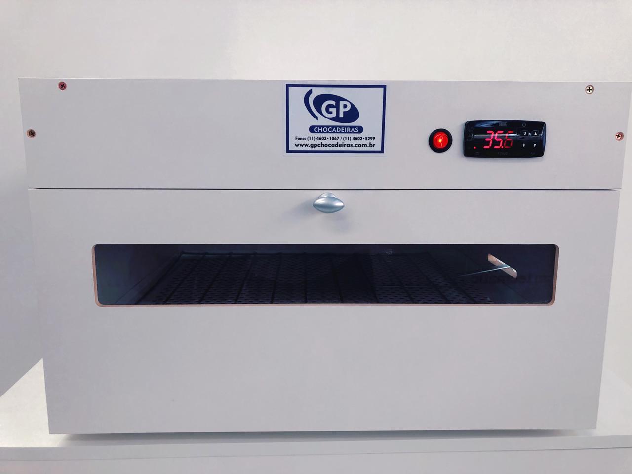 Chocadeira elétrica e automática 50 ovos com Grades GPR 50
