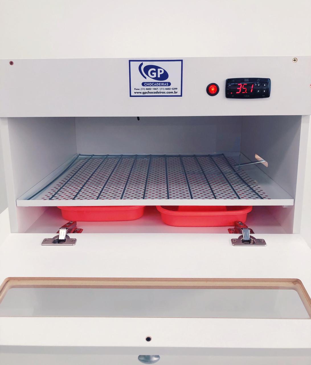 Kit Chocadeira Automática Até 100 Ovos com grades + Ovoscopio Em Madeira
