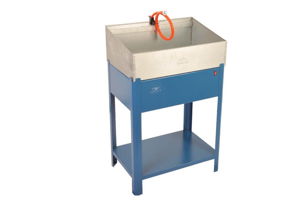 Máquina de Lavar Peças C/Eletrobomba LV-620 220V - Fercar