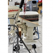 Motor de Popa Johnson 2 Tempos 15 HP - Semi-novo