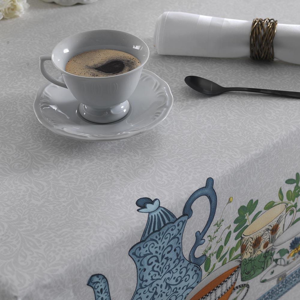 Toalha de Mesa Karsten Quadrada 4 Lugares Limpa Fácil Chá da Tarde