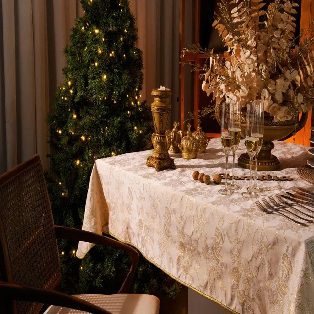 Toalha de Mesa Karsten Quadrada 4 Lugares Natal Golden Fitas