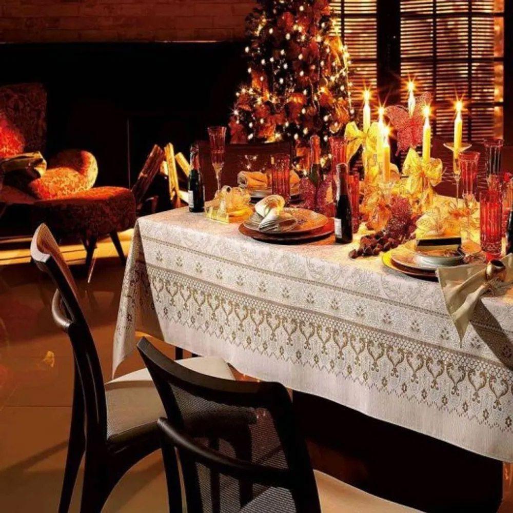 Toalha de Mesa Karsten Quadrada 4 Lugares Natal Ornamental
