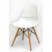 Cadeira Charles Eames Polipropileno Branca Base Madeira - DKR WOOD BRANCA