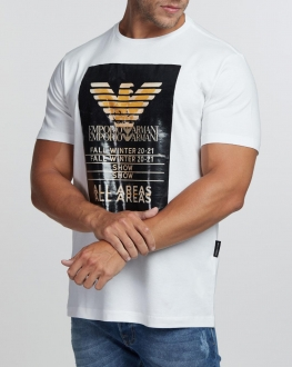 Camiseta Emporio Armani Fall Winter 2021 Show All Areas Branco