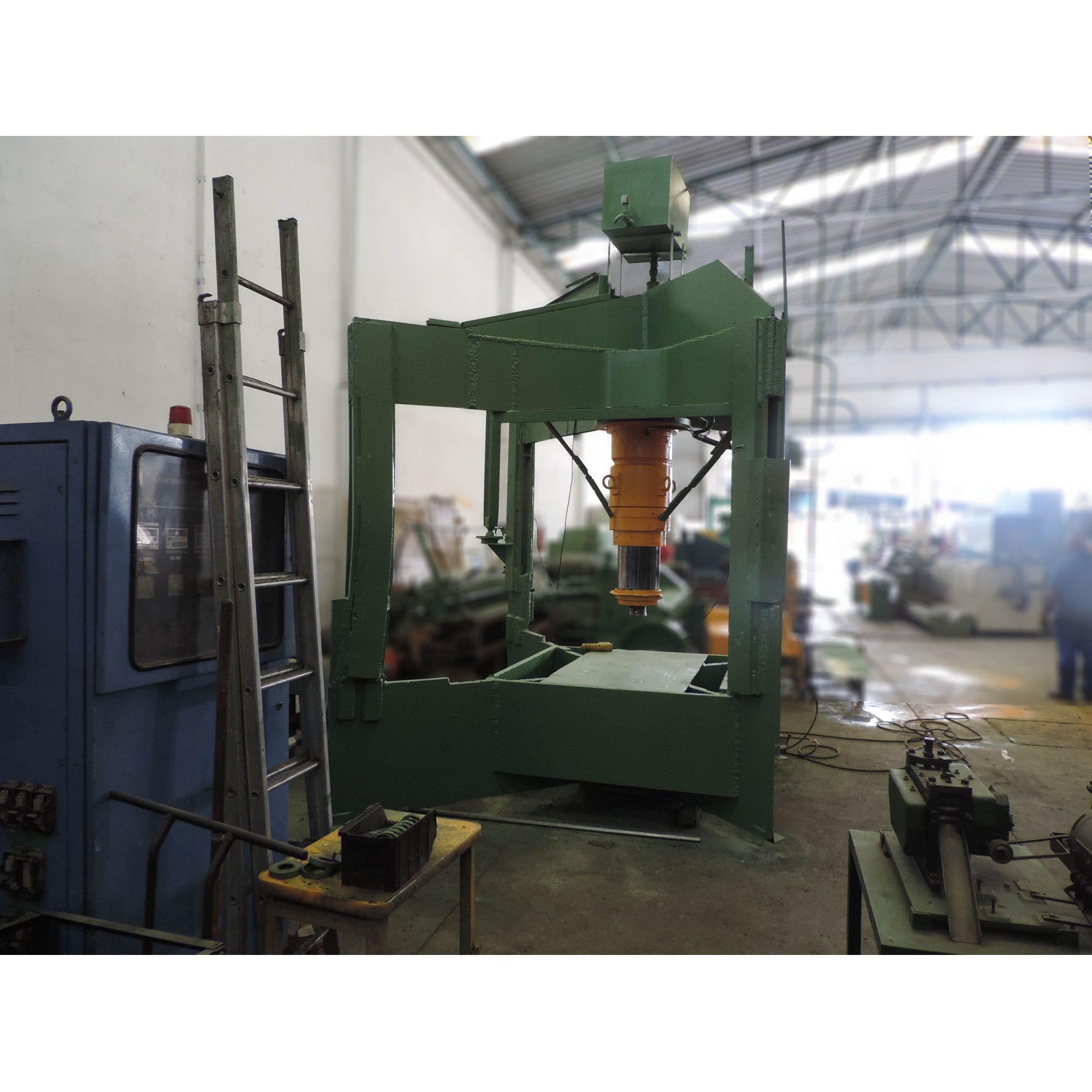005 Prensa hidráulica 300 toneladas – DC2 – Usada