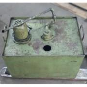 Bomba hidráulica submersa com tanque - VG789 Usado