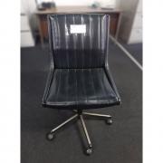 Cadeira em Couro Legítimo Giroflex Antiguidade Retrô – ML591