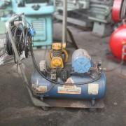 Compressor de Ar Schulz 0.5 CV 100 litros MS26 pés ML35 - Usado