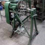 Máquina Para Fazer Canais E Anéis Elásticos Em Aço Tb12