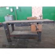 Mesa de Marcenaria com gaveta - ML99 Usado