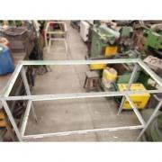 Mesa estrutura De Cantoneira de aço - RX52 Usado