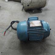 Motor Elétrico Trifásico Eberle ¾ CV VG65 -Usado