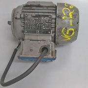 Motor Elétrico Weg Trifásico 0,25 CV - 4 Polos - VG1221 Usado