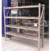 Prateleira Porta Paletes Estrutura De Ferro Com Tampo De Madeira - VG1105 Usado