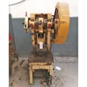 Prensa excêntrica 15 tons inclinável marca Jundiaí – RMC6 Usado
