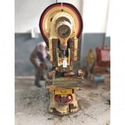 Prensa excêntrica 40 toneladas Harlo – RMC4 Usado