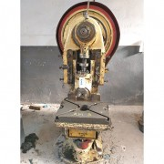 Prensa excêntrica 40 toneladas Victor - RMC3 Usado