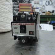 Relé Cutler Hammer 300v 10A SP216