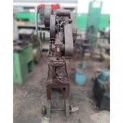 Tesoura Universal mecânica Metaleira - ML135 Usado