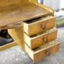 Escrivaninha De Madeira Com 3 Gavetas  SL69  Usada