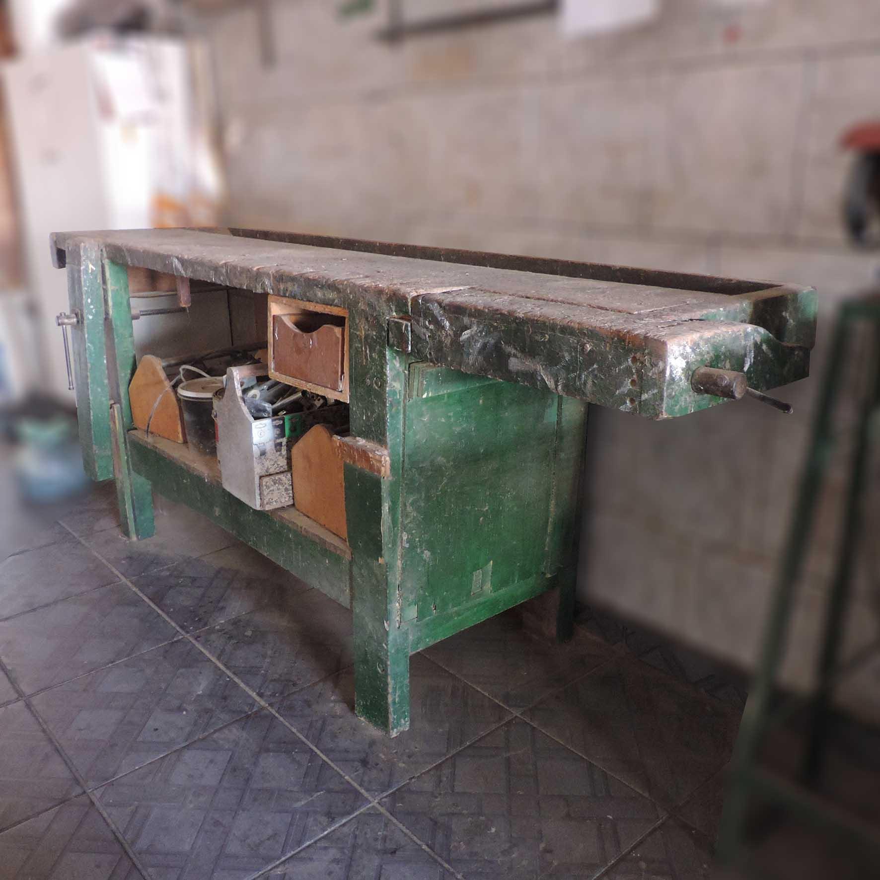 Banco de Marceneiro Madeira Maciça das Antigas VL8 - Usado