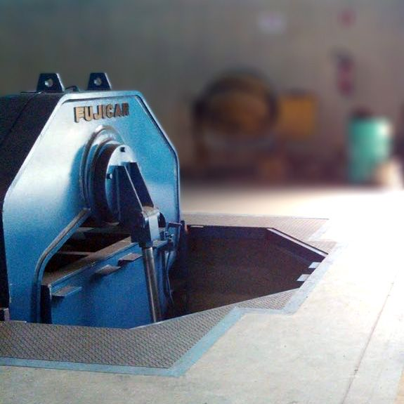Calandra Inicial Mecânica Para Chapas 6000mm Marca Fujicar Cd58