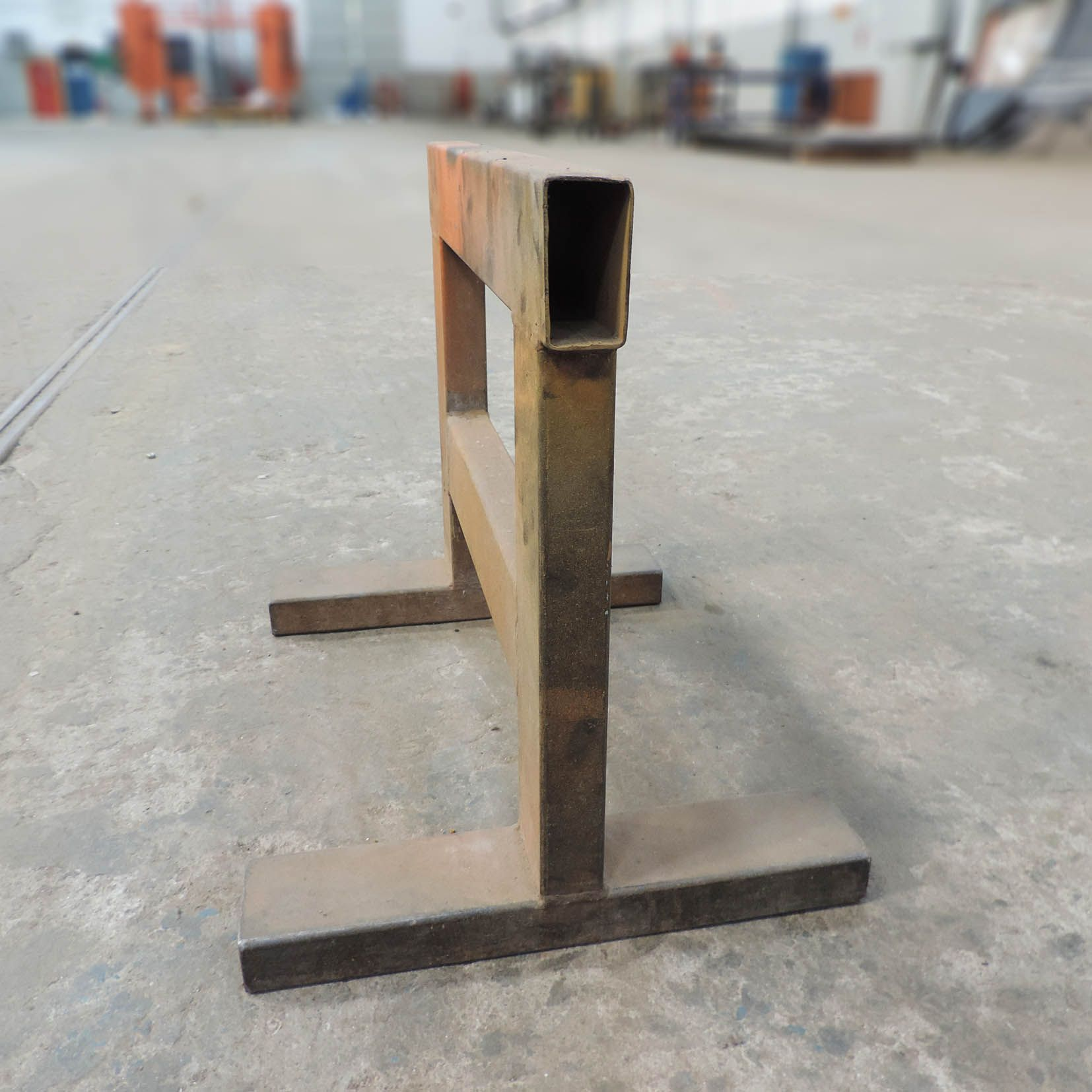 Cavalete multiuso em aço tubular Marca Schmuziger SZ147 – Usado