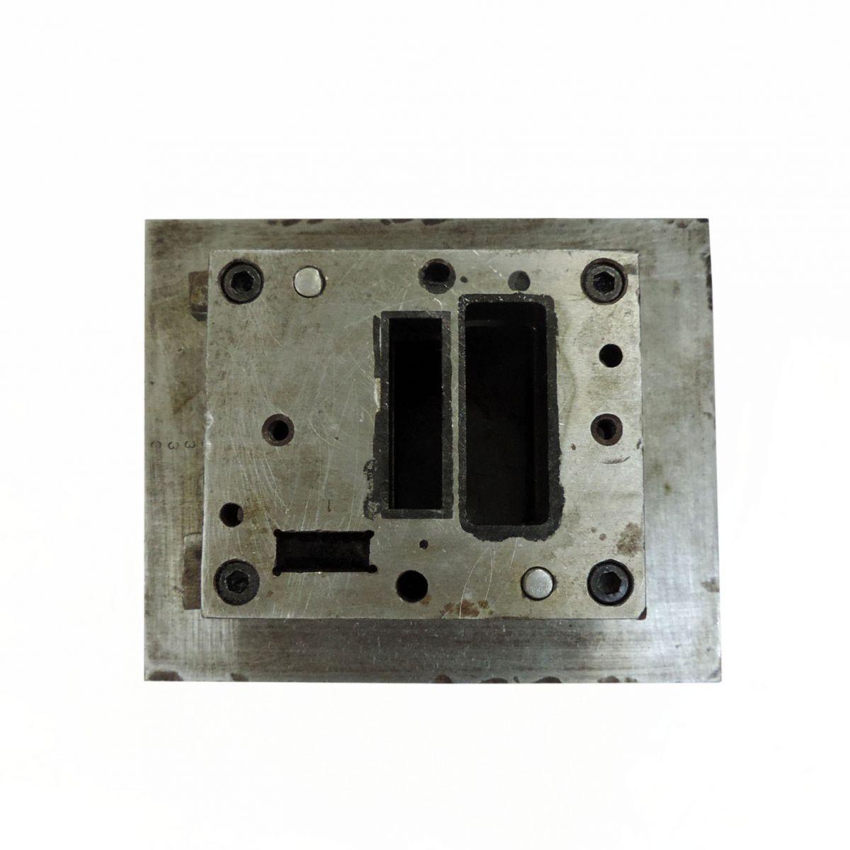 Estampo Prensa Excêntrica Hidráulica Estamparia ST15  - Usado