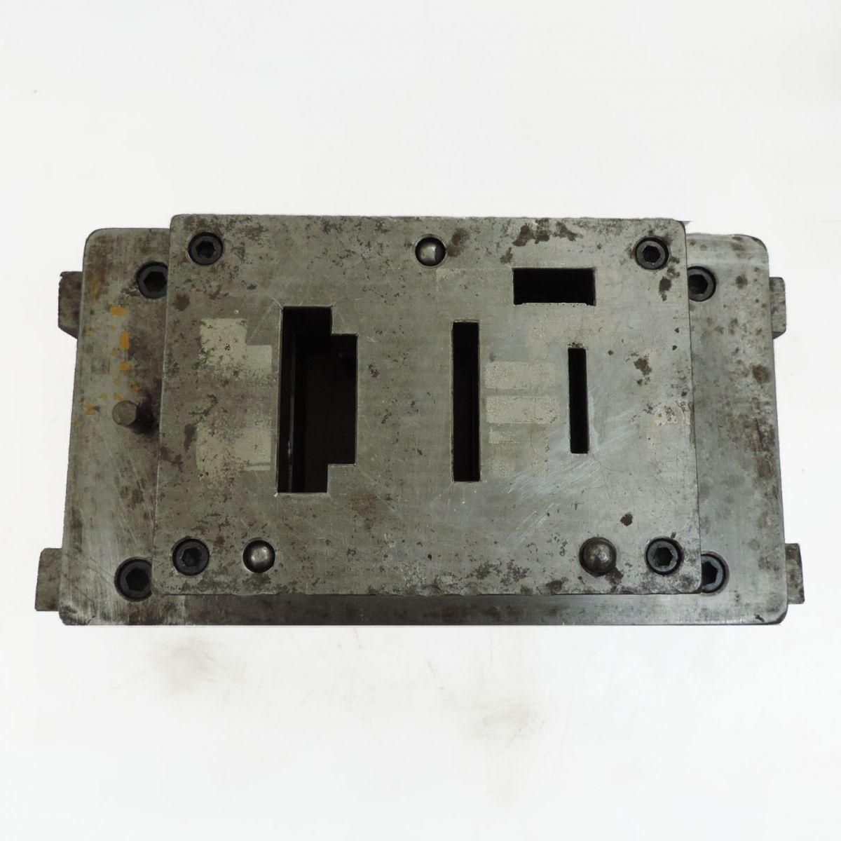 Estampo Prensa Excêntrica Hidráulica Estamparia ST18  - Usado