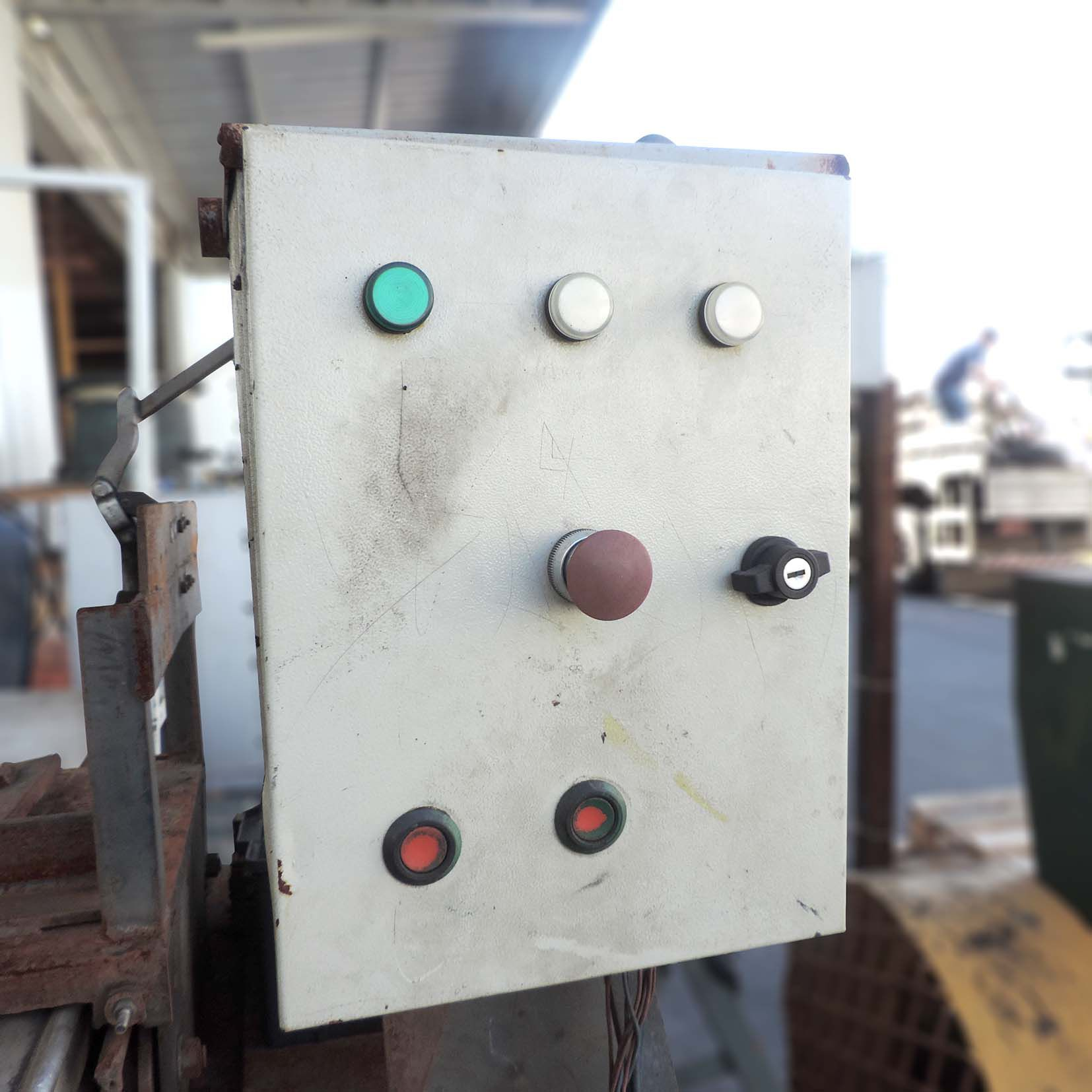 Faceadora Máquina Para Facear Fresar STB18 – Usada