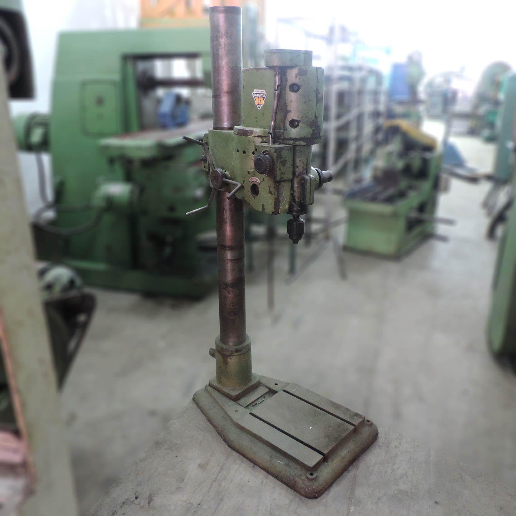 Furadeira De Coluna Engrenada 25mm DD6 – Usada