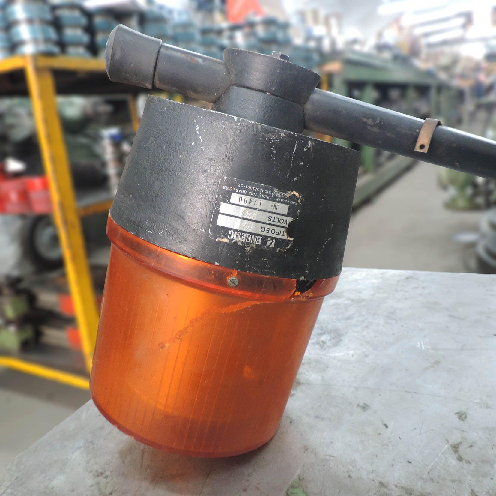Luz De Emergência Sinalizadora Para Garagens VG139 – Usada