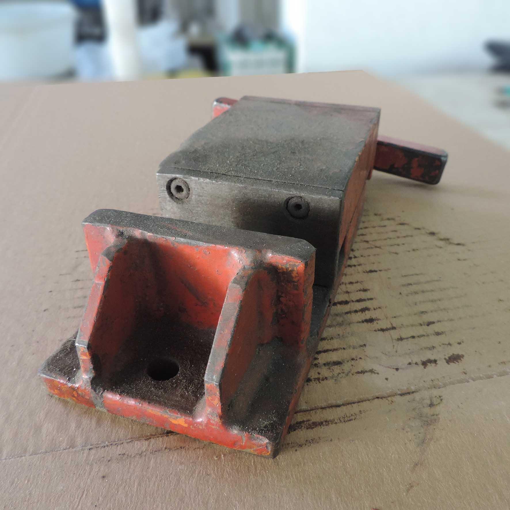 Morsa Fixa para Furadeira e Fresadora ART18 - Usado