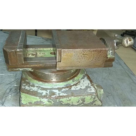 Morsa giratória para máquina - VG567 Usado