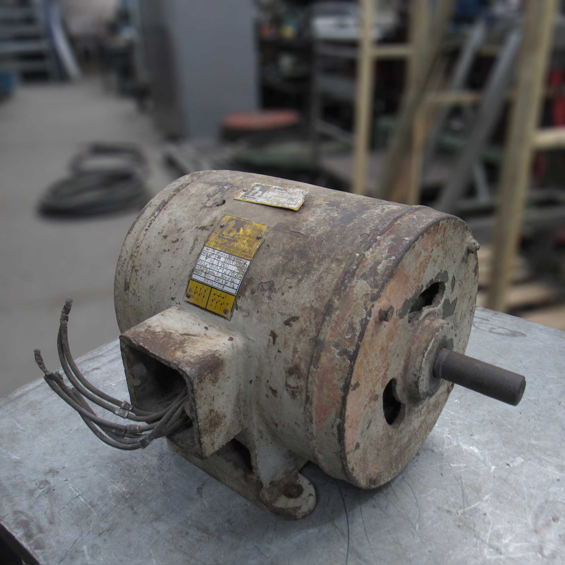 Motor Elétrico Trifásico 1 Cv – Cd130 - USADO