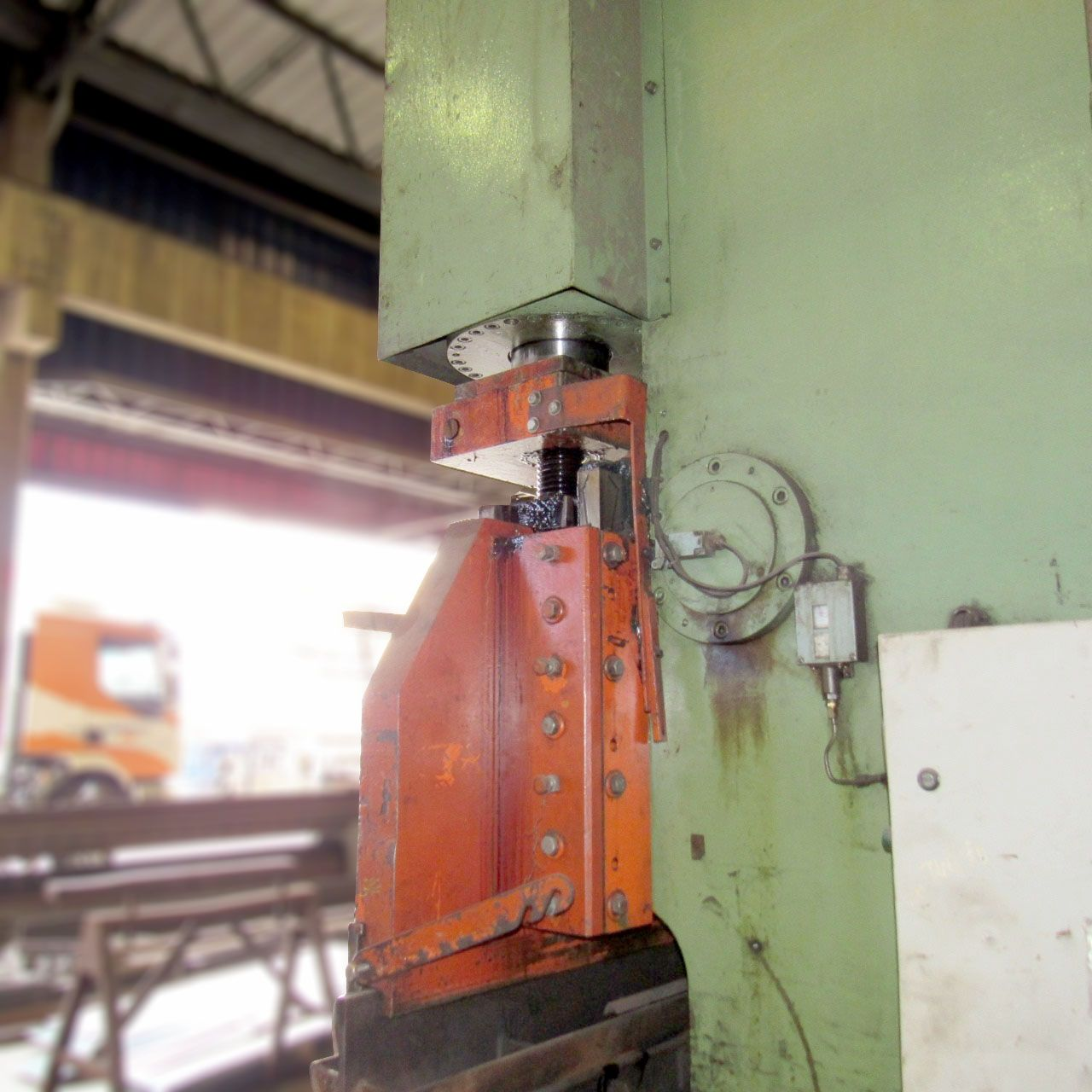 000 Prensa Dobradeira Viradeira 6000mm X 3/8'' 400 toneladas Cd515