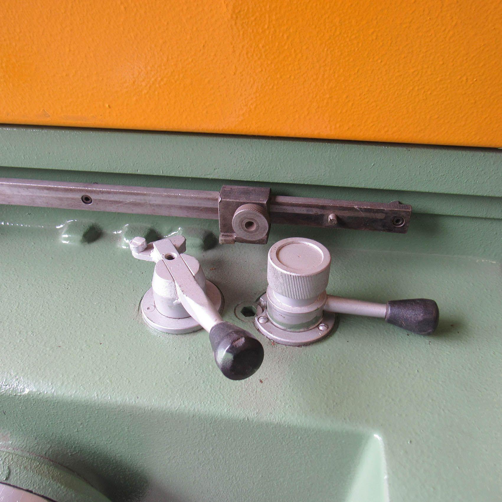 Retífica Plana Tangencial Sul mecânica 500 x 200 mm MM23 – Usada