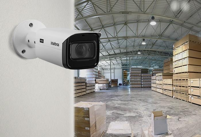 Câmera Starlight Varifocal lente 2.7mm a 13.5mm zoom motorizado IR 50mts WDR/ HLC/ OSD Full HD 1080p intelbras VHD 5250 Z SL - JS Soluções em Segurança