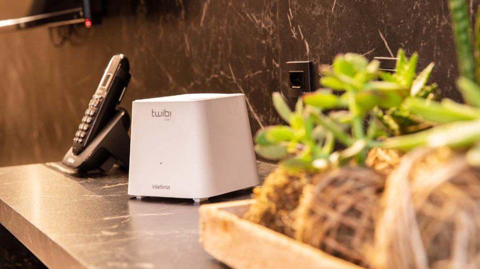 KIT TWIBI FAST ROTEADOR 2.4 GHz: até 300 Mbps 5 GHz: até 867 Mbps Wi-Fi forte Mesh intelbras 10/100 - JS Soluções em Segurança