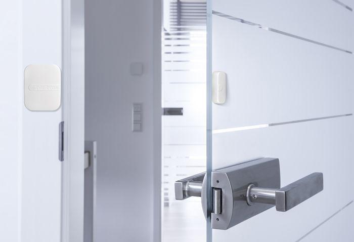 Sensor de abertura magnético sem fio intelbras XAS Smart GAP de abertura 37mm - JS Soluções em Segurança